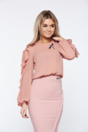 Világos rózsaszín LaDonna elegáns bő szabású női blúz fodrozott ujjakkal