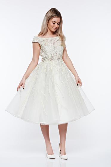 Fehér Ana Radu harang ruha gyöngy díszítéssel belső béléssel
