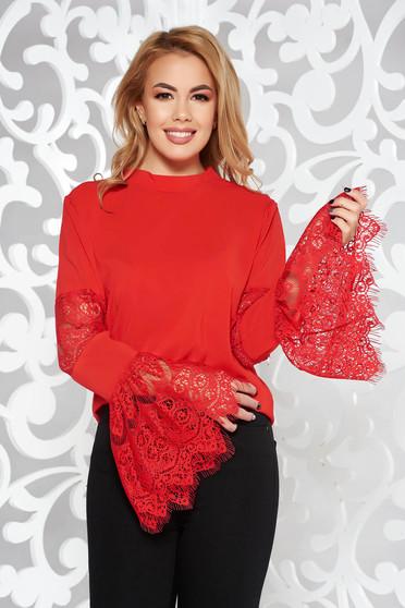 Piros StarShinerS elegáns női blúz harang ujjakkal csipkés anyagból