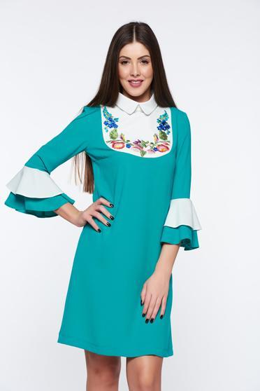 Zöld LaDonna elegáns bő szabású hímzett ruha harang ujjakkal