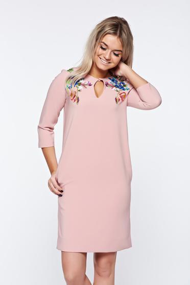 Rózsaszínű LaDonna elegáns hímzett bő szabás ruha finom tapintású anyag
