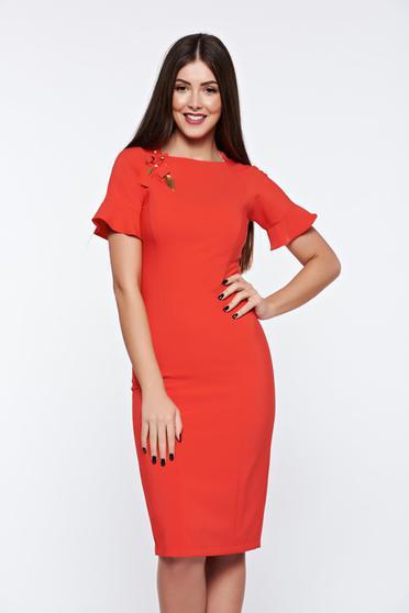 Piros LaDonna elegáns ruha kézzel varrott díszítésekk belső béléssel