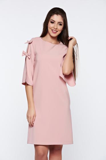 Rózsaszínű LaDonna elegáns bő szabás ruha kivágott ujjrész