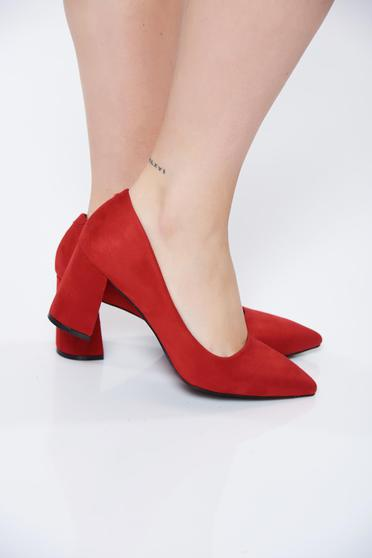 Piros irodai cipő szintetikus fordított bőr felsőrész vastag sarok