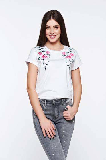 Fehér Top Secret casual pamutból készült bő szabás póló virágmintás díszítéssel