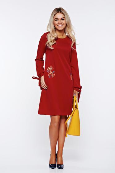 Burgundy StarShinerS elegáns zsebes hímzett ruha enyhén rugalmas anyagból
