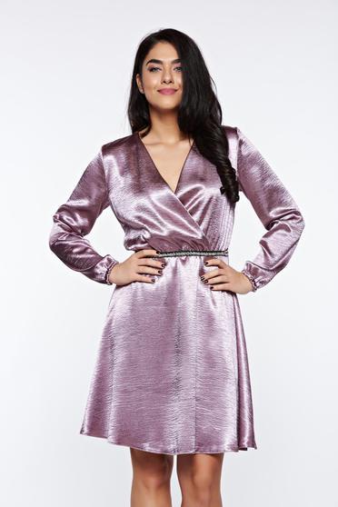 Lila StarShinerS alkalmi átfedéses harang ruha szatén anyagból