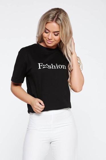 Fekete StarShinerS casual bő szabású póló hímzett pamutból készült