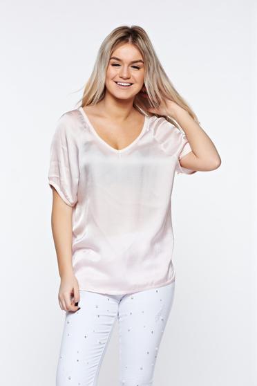 Rózsaszínű casual póló bő szabású asszimmetrikus szabással szatén anyagból