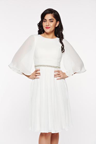 Fehér StarShinerS alkalmi fátyol ruha belső béléssel strassz köves kiegészítő