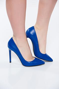 Kék stiletto magassarkú cipő