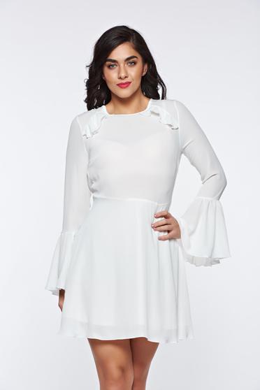 Fehér PrettyGirl ruha fátyol anyag teljesen kivágott hátrésszel harang ujjakkal belső béléssel