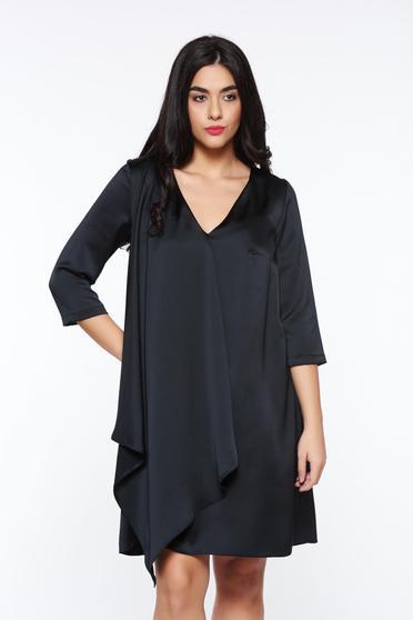 Fekete StarShinerS alkalmi bő szabású ruha szatén anyagból sállal van ellátva