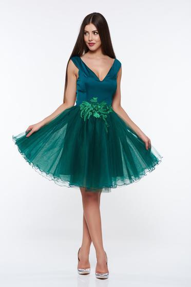 Zöld Artista alkalmi harang ruha belső béléssel szivacsos mellrész kézzel varrott díszítésekk