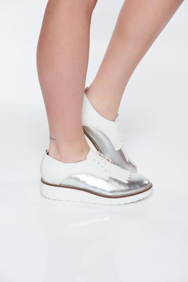 Ezüst casual bőr cipő lapos talpú