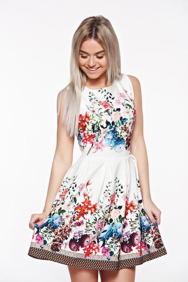 Fehér rövid harang ruha virágmintás díszítéssel