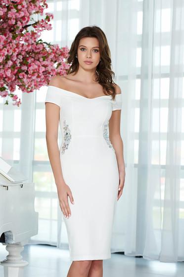 Fehér StarShinerS ruha elegáns ceruza enyhén rugalmas anyag belső béléssel strassz köves díszítés