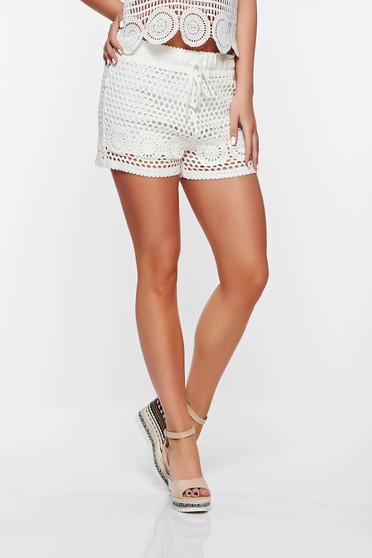 Fehér SunShine casual rövidnadrág belső béléssel horgolt anyag derékban rugalmas
