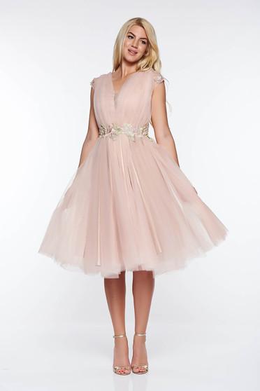 Rózsaszínű LaDonna alkalmi tüll harang ruha hímzett betétekkel belső béléssel