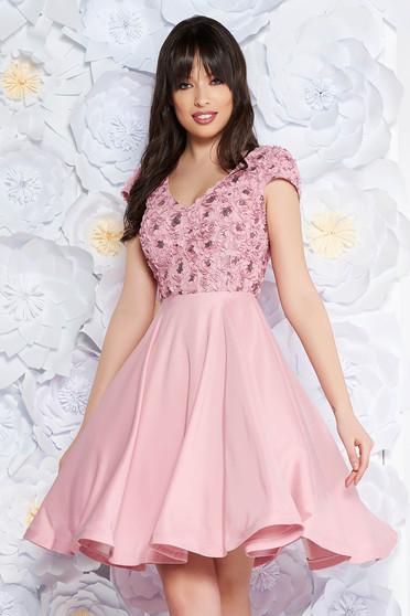 Rózsaszínű StarShinerS alkalmi harang ruha szatén anyagból flitteres  díszítéssel abb78db95f