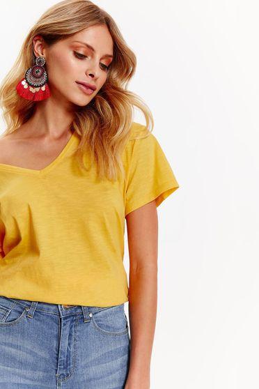 Sárga Top Secret casual pamutból készült bő szabás póló v-dekoltázzsal