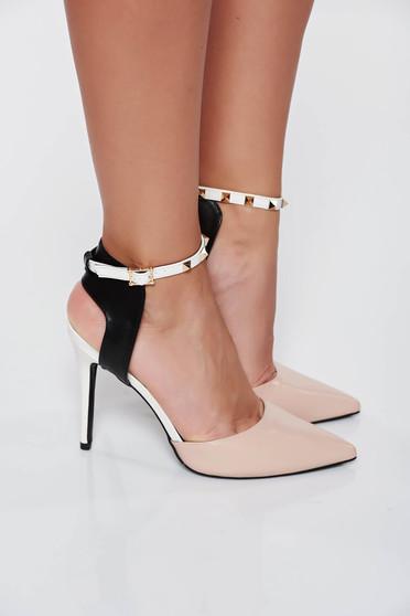 Krém elegáns cipő műbőr magassarkú szegecsekkel