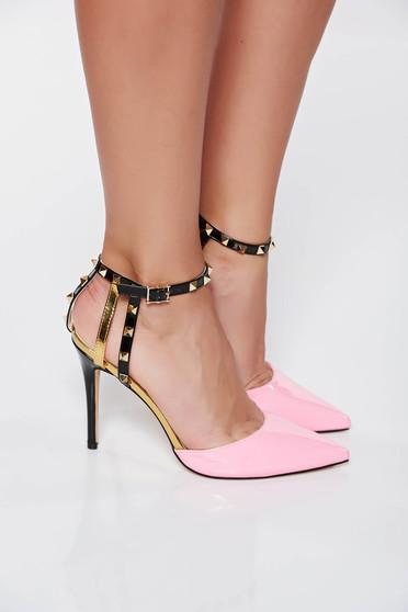 Pink elegáns cipő fémes szegecsekkel lakkozott öko bőr