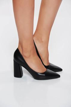 Fekete elegáns cipő vastag sarok műbőr