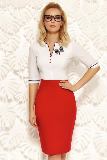 Fehér Fofy irodai pamutból készült szűk szabás női ing bross kiegészítővel