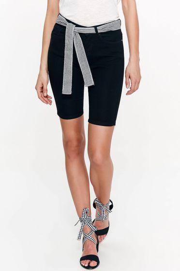 Fekete Top Secret rövidnadrág casual pamutból készült szűk szabás övvel ellátva zsebes