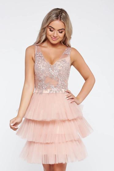 Rózsaszínű LaDonna alkalmi ruha belső béléssel tüll csipkés anyagból virágos díszek 3d effekt