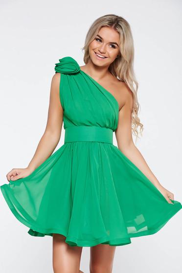 Zöld Ana Radu fátyol ruha belső béléssel harang övvel ellátva