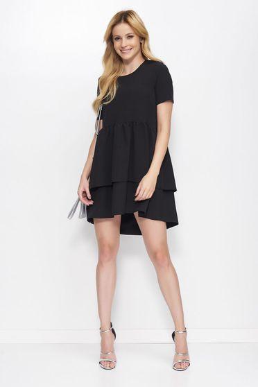 Fekete Makadamia ruha elegáns asszimmetrikus szabással bő szabású fodros enyhén rugalmas anyag