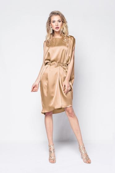 Arany PrettyGirl ruha party szatén anyagból bő szabás övvel ellátva