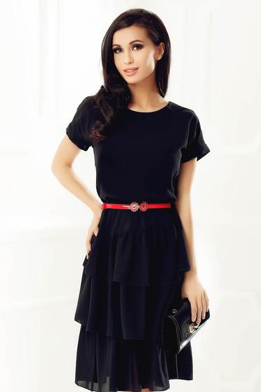 Fekete StarShinerS elegáns bő szabású ruha fátyol anyag belső béléssel fodros