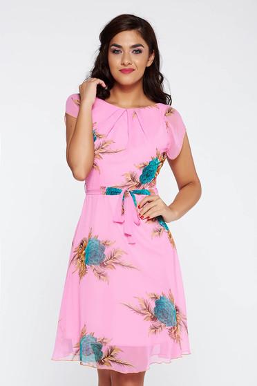 Pink elegáns harang ruha lenge, áttetsző anyag belső béléssel övvel ellátva