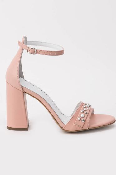 Rózsaszínű szandál elegáns vastag sarok gyöngy díszítéssel