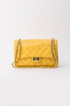 Sárga táska hosszú lánc típusú pánt valamint rövid
