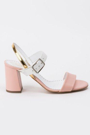 Rózsaszínű szandál elegáns vastag sarok vékony pántok