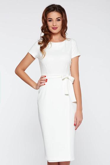 Fehér StarShinerS irodai ruha szűk szabás övvel ellátva