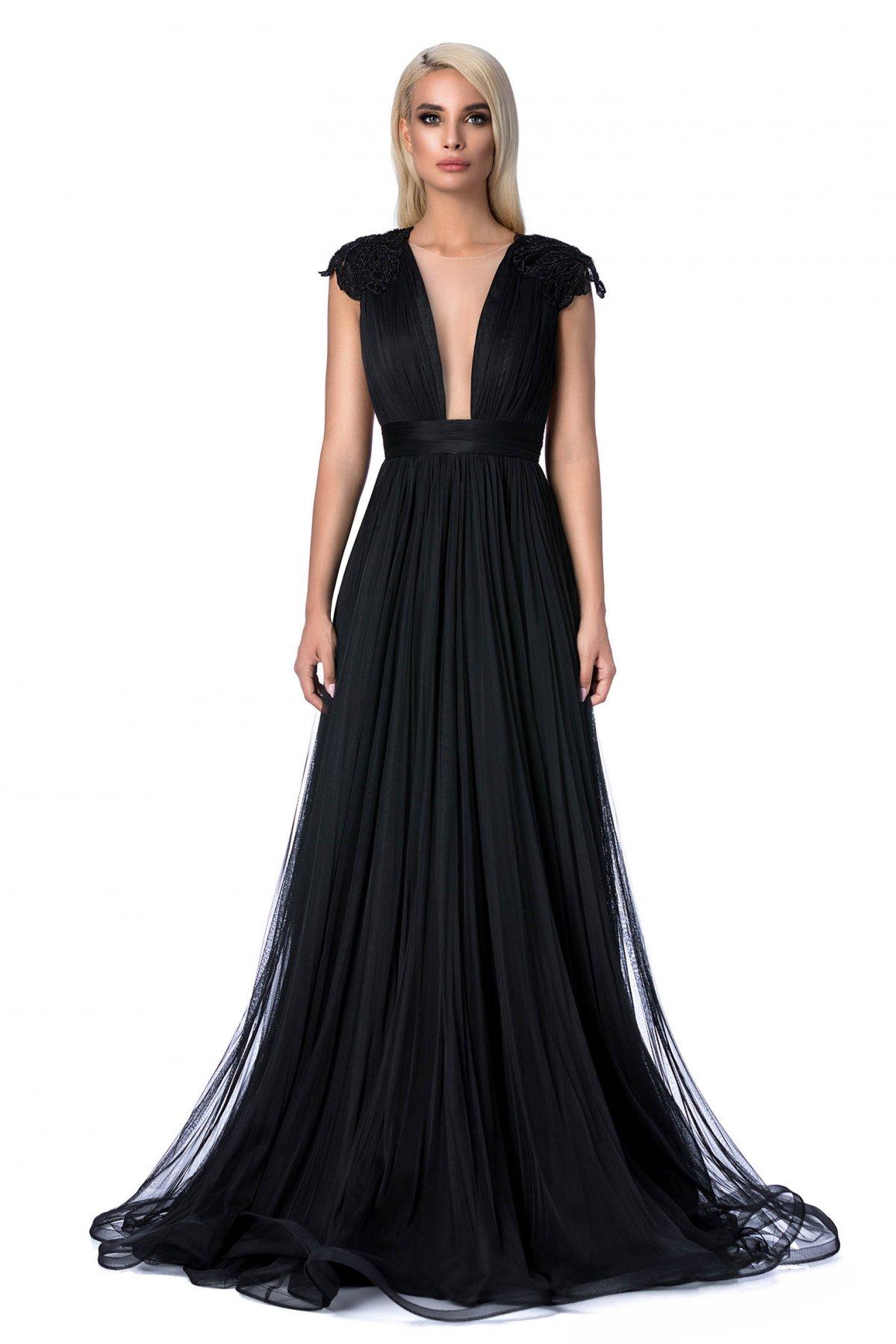 8fae6d2f21 Fekete Ana Radu alkalmi harang ruha gyöngyös díszítés hímzett betétekkel szivacsos  mellrész