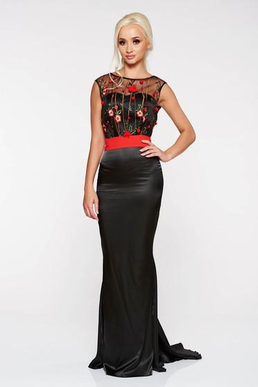 Fekete PrettyGirl alkalmi hosszú szirén tipusú ruha hímzett betétekkel  szatén anyagból övvel ellátva f3f46e4165