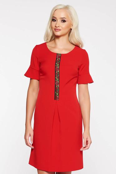 9528ca5146 Piros elegáns a-vonalú ruha rugalmas és finom anyag elől hímzett