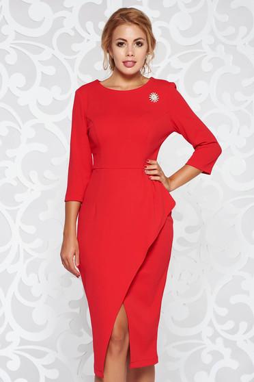Piros StarShinerS ruha elegáns ceruza rugalmas anyag derekán fodros bross kiegészítővel