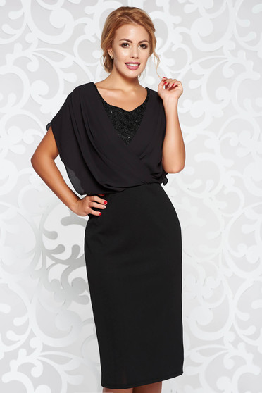 Fekete ruha alkalmi ceruza rugalmas anyag csipke díszítéssel fátyol anyagátfedés