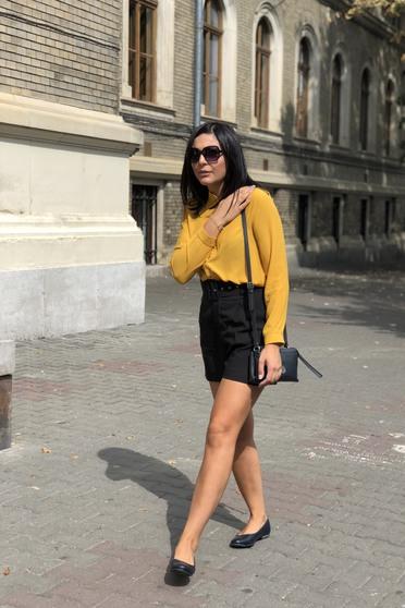 Mustar női ing elegáns bő szabású enyhén áttetsző anyag