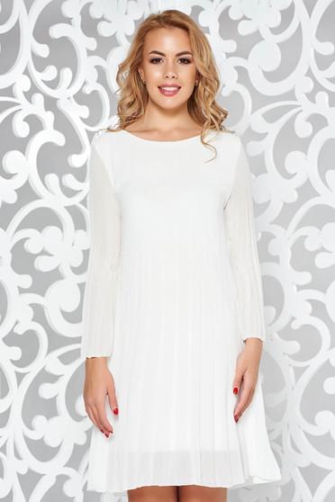 Fehér hétköznapi rakott bő szabás ruha áttetsző anyag