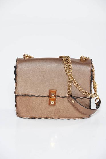 Barna táska casual műbőr hosszú lánc típusú pánt valamint rövid