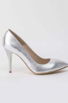 Ezüst cipő elegáns magassarkú enyhén hegyes orral
