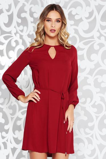 Burgundy ruha casual bő szabású nem rugalmas anyag övvel ellátva